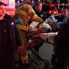 New York: Five passengers killed after tourist helicopter crashes into East River