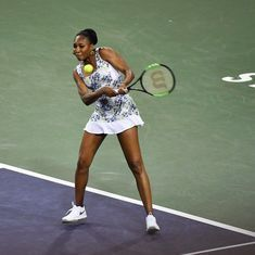 Venus Williams ends Serena's comeback run at Indian Wells with straight-sets win
