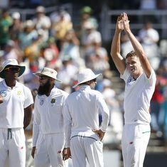 Morkel takes his 300th wicket as South Africa retain upper hand in third Test against Australia