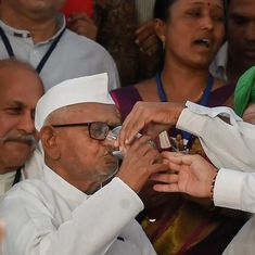 Anna Hazare calls off hunger strike for Lokpal after meeting Maharashtra chief minister