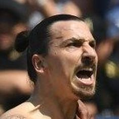Zlatan Ibrahimovic scores a screamer on MLS debut to help Los Angeles Galaxy win
