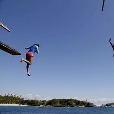 Philippines to shut down popular tourist island Boracay for six months to clean it up