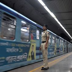 Kolkata: Passengers break open metro train windows after snag leaves them stranded in dark tunnel