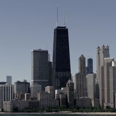 Watch: Do the window cleaners of the tallest building in Chicago have the city's riskiest work?