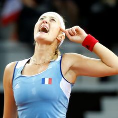 Fed Cup: Mladenovic ends Vandeweghe's 13-match winning run, Czech romp to 2-0 lead over Germany