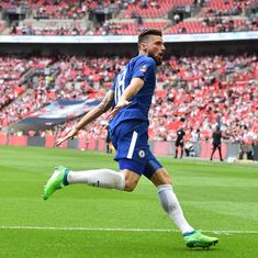Chelsea set up Man Utd date in FA Cup final as Giroud sinks Saints