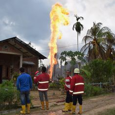 Indonesia: Ten people die after fire breaks out at oil well, at least 40 injured