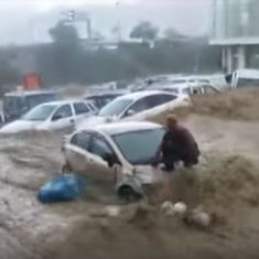 Watch: Vehicles in Turkey were washed away by floods after a torrential downpour