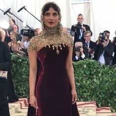 Photos: Priyanka Chopra glitters in medieval headgear at the 2018 Met Gala