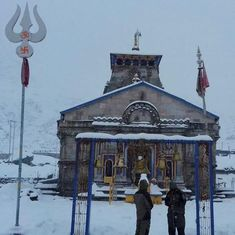 Three dead, hundreds stranded after heavy snowfall in Uttarakhand