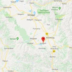 Jammu and Kashmir: Ten people trapped after avalanche hits police post in Kulgam district