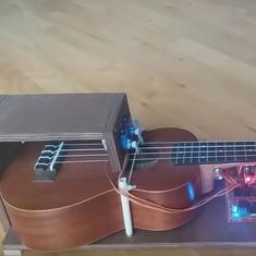 Watch: This ukulele-playing robot plays all of your favourite tunes (and infuriates real musicians