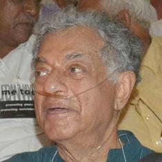 Karnataka: Lawyer files complaint against Girish Karnad for wearing 'Me Too Urban Naxal' sign