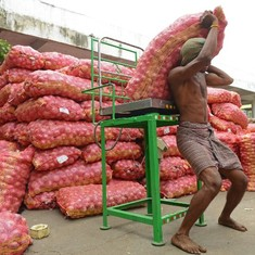 Wholesale inflation rises by 1.62% in June, prompted by vegetable price rise