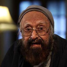Railway officer objects to Khushwant Singh's 'obscene' book being sold at Bhopal station