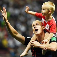 इंग्लैंड को 2-1 से हरा क्रोएशिया पहली बार विश्व कप फुटबॉल के फाइनल में पहुंचा