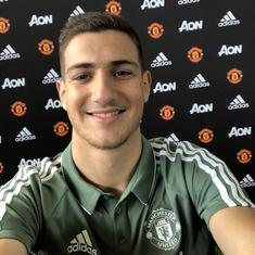 Porto full-back Diogo Dalot becomes Manchester United's second summer signing