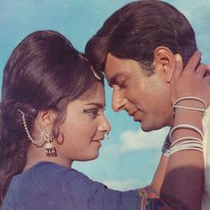आज 66 साल की हो रहीं रेखा की पहली हिंदी फिल्म 'सावन-भादों' देखना कैसा अनुभव है?