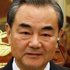 चीन और पाकिस्तान के विदेश मंत्रियों के बीच आर्थिक गलियारे (सीपीईसी) को लेकर बैठक हुई