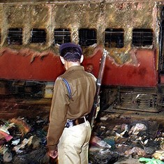 Gujarat High Court may deliver verdict on 2002 Godhra train coach burning case today