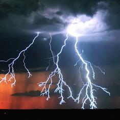 ओडिशा में आसमानी बिजली से दो लोगों की मौत, केरल में भारी बारिश से हालात और बिगड़े
