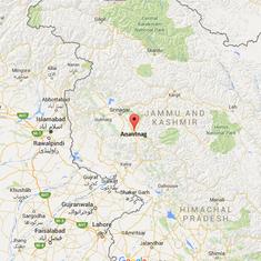 Militants gun down two policemen in Anantnag, Kashmir