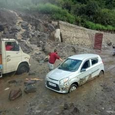 Heavy rain triggers flash flood near Manali, seven vehicles washed away: Report