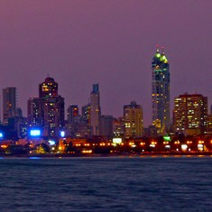 Despite jet rentals and champagne tastings,  India's elite aren't scooping up Mumbai realty