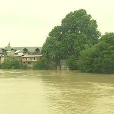 भारी बारिश के चलते जम्मू-कश्मीर में बाढ़ का अलर्ट, अमरनाथ यात्रा भी रोकी गई