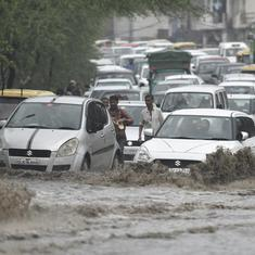 Heavy rain continues in Delhi-NCR, Yamuna flows close to danger mark