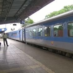 At least 30 passengers take ill after eating breakfast on Puri-Howrah Shatabdi