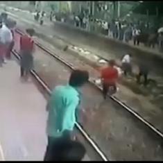 Watch: Commuters at Mumbai railway station come to the rescue of man who lay down on the tracks