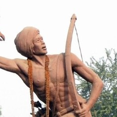 Statues of tribal leader Birsa Munda will lose their chains in Jharkhand