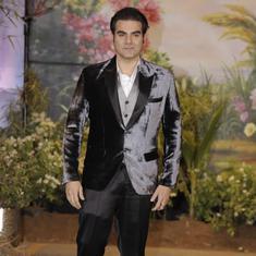 अभिनेता अरबाज खान द्वारा आईपीएल में सट्टा लगाने की बात कुबूल किए जाने सहित दिन के बड़े समाचार