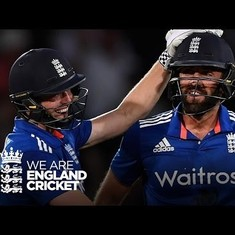 Watch: Sri Lanka do a South Africa, England's Liam Plunkett does a Dhoni