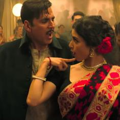 Watch: Akshay Kumar invites Mouni Roy to dance in 'Monobina' from 'Gold'