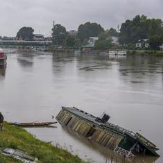 Jammu and Kashmir authorities declare flood in Srinagar and other districts