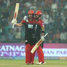 The Kohli-de Villiers show comes to town just in time to keep RCB alive in the playoff race