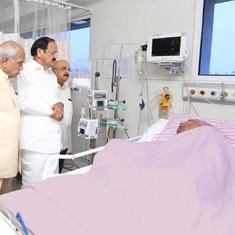 Tamil Nadu: Venkaiah Naidu visits ailing Karunanidhi, party releases first photo from hospital