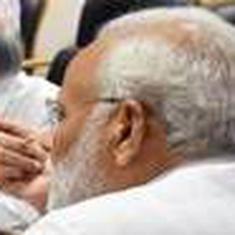 बाढ़ से बेहाल केरल के लिए प्रधानमंत्री नरेंद्र मोदी ने 500 करोड़ रु की मदद का ऐलान किया