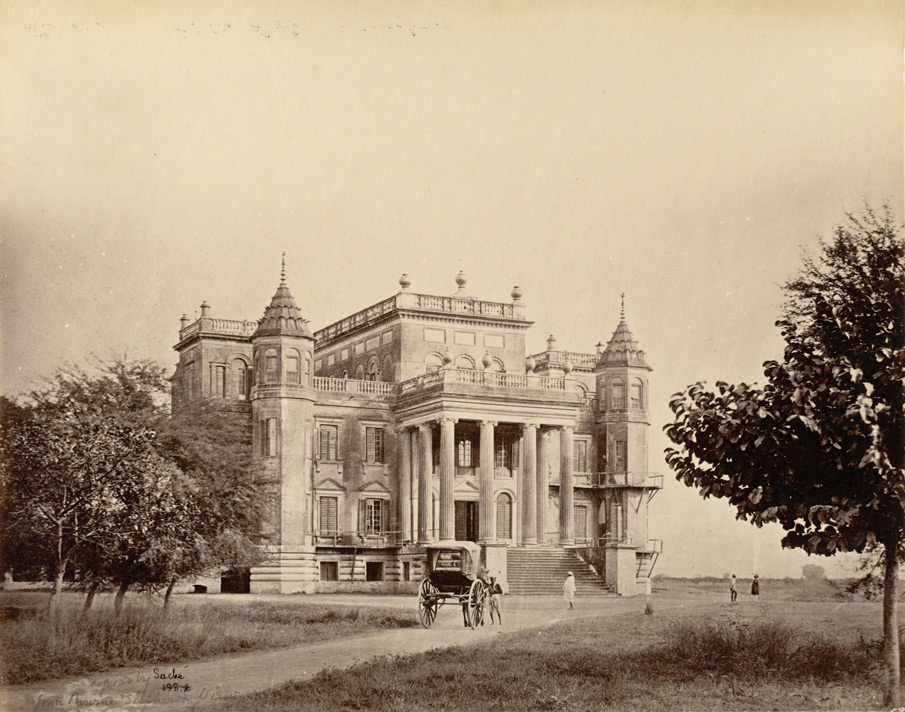 Left: Lucknow. Dil Kooshah [Dilkusha] by Samuel Bourne, c. 1864. Photo credit: British Library, Photo 2/3(150)