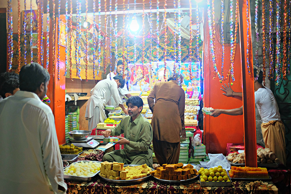 The main bazaar of Mithi during Diwali.