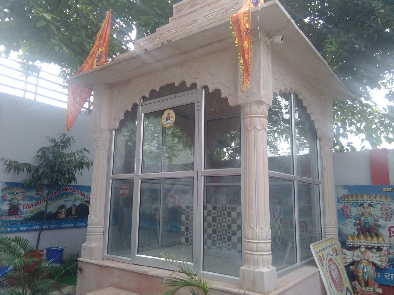 The empty enclosure meant for a statue of Raavan at the Sri Baba Mohan Ram temple.