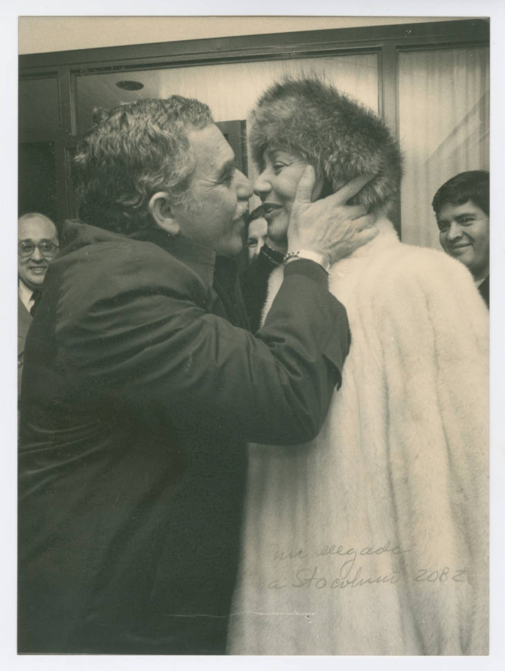 Gabriel Garcia Marquez kisses his wife Mercedes Barcha while in Stockholm to accept the Nobel Prize, 1982 (Harry Ransom Center at The University of Texas, Austin)