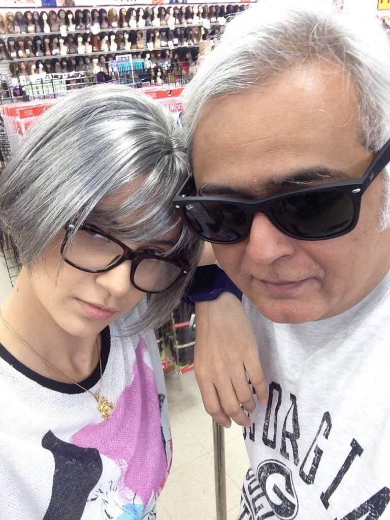 Kangana Ranaut and Hansal Mehta on the sets of Simran.