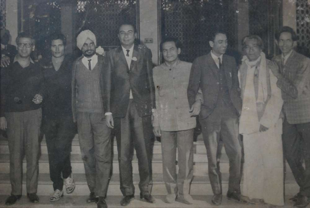 Sahir back in Ludhiana for Govt. College Ludhiana's golden jubilee celebrations in 1970 where he was  awarded a gold medal. Sahir is standing fourth from left, with Ajiab Chitrakar to his immediate right. On Sahir's left are noted Punjabi painter Harkishan Lall, Punjabi poet Shiv Kumar Batalvi, Jan Nisar Akhtar and Krishan Adeeb (extreme right). Keeping himself surrounded by friends was a part of Sahir's personality. Photograph courtesy late Shri Ajaib Chitrakar.