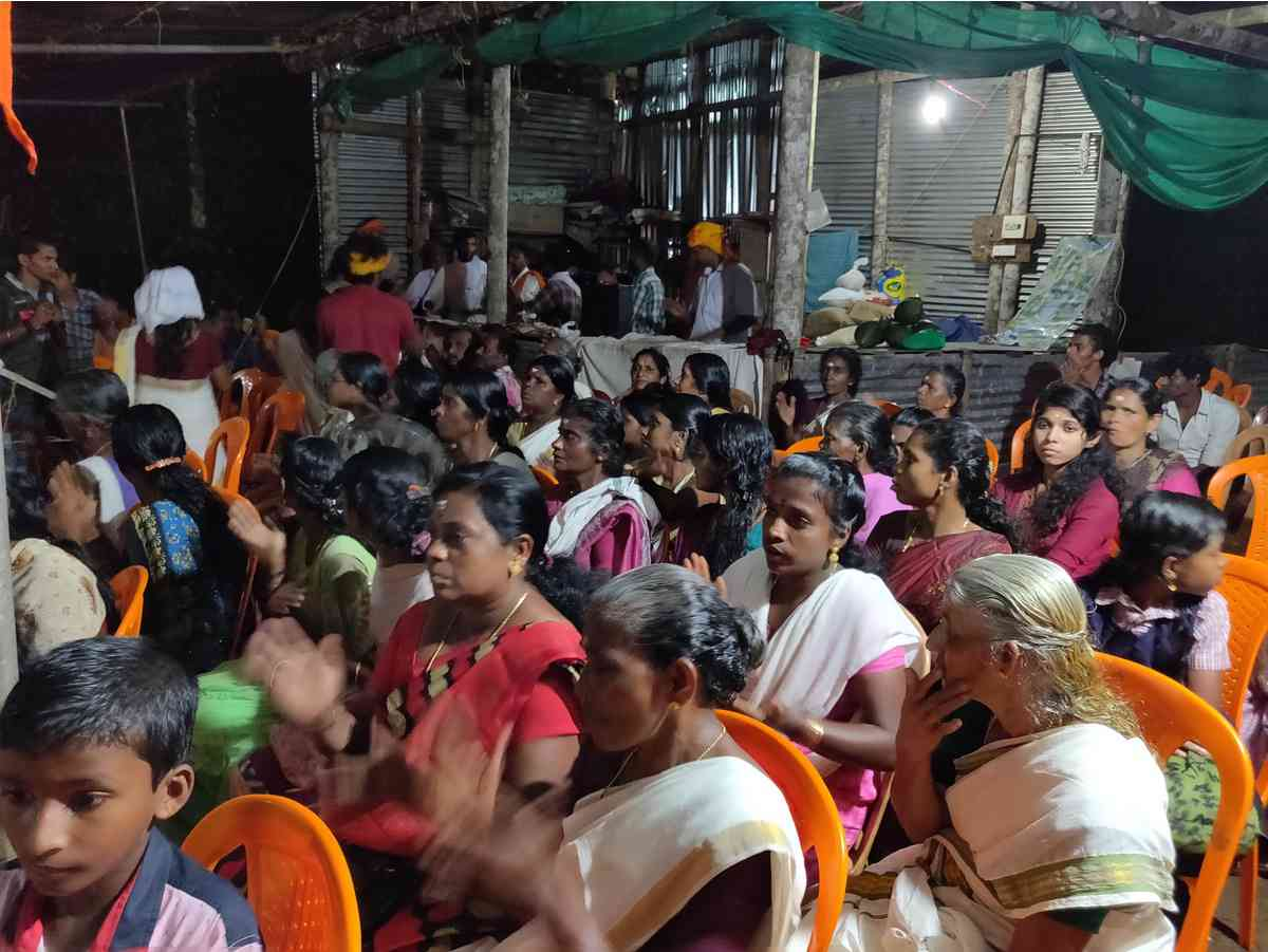 Devotees protest, chanting Lord Ayyappa's incantations at Nilakkal on Tuesday (Photo credit: TA Ameerudheen)