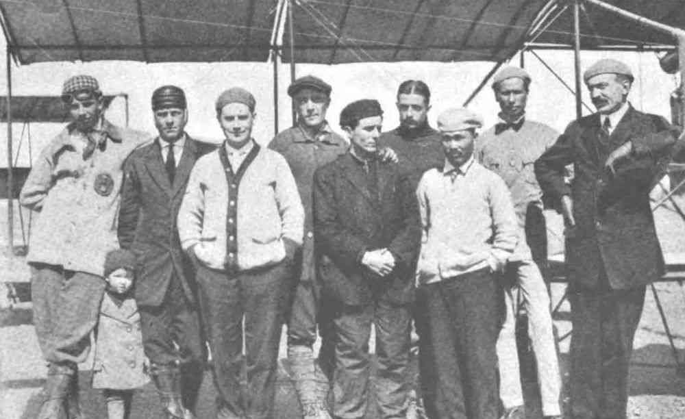 Mohan Singh (back row, second from right) with fellow aviators at Glenn Curtiss' camp in San Diego, 1912.
