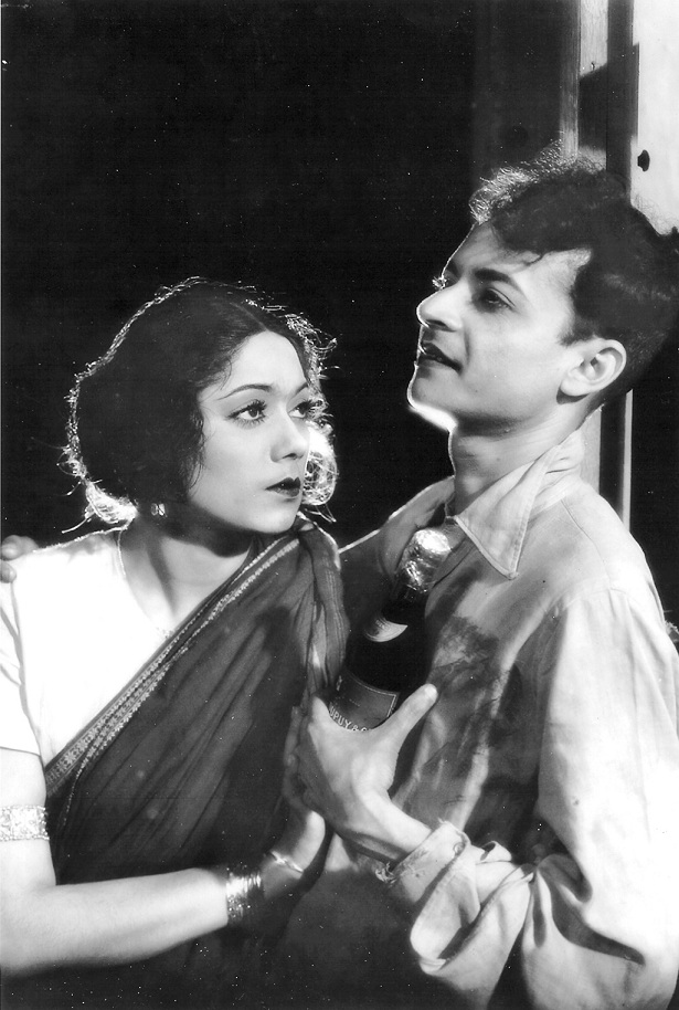 Chandrabati Devi as Chandramukhi and PC Barua in 'Devdas'.