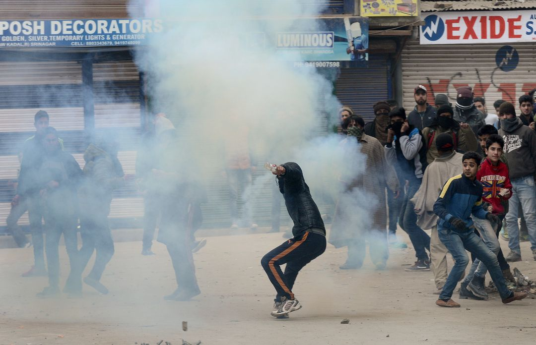 Kashmiri youth now openly support militants and don't hesitate to resort to violent measures. Photo credit: Rouf Bhat/AFP.